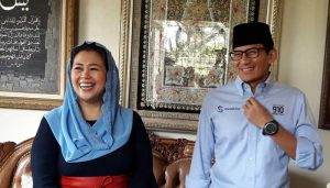 Putri mantan presiden Gus Dur, Yenny Wahid dan Sandiaga Uno