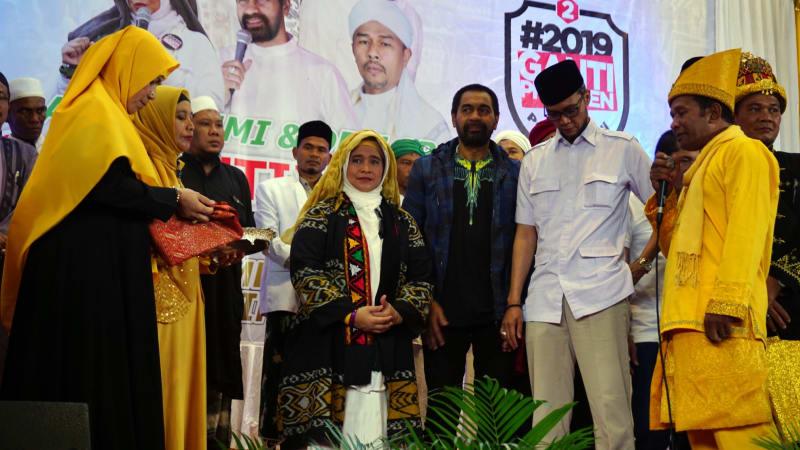 Ganti Presiden di Aceh, Neno dapat gelar laksamana muda