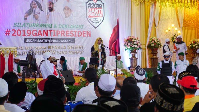 Neno Warisman deklarasi relawan ganti presiden di Aceh