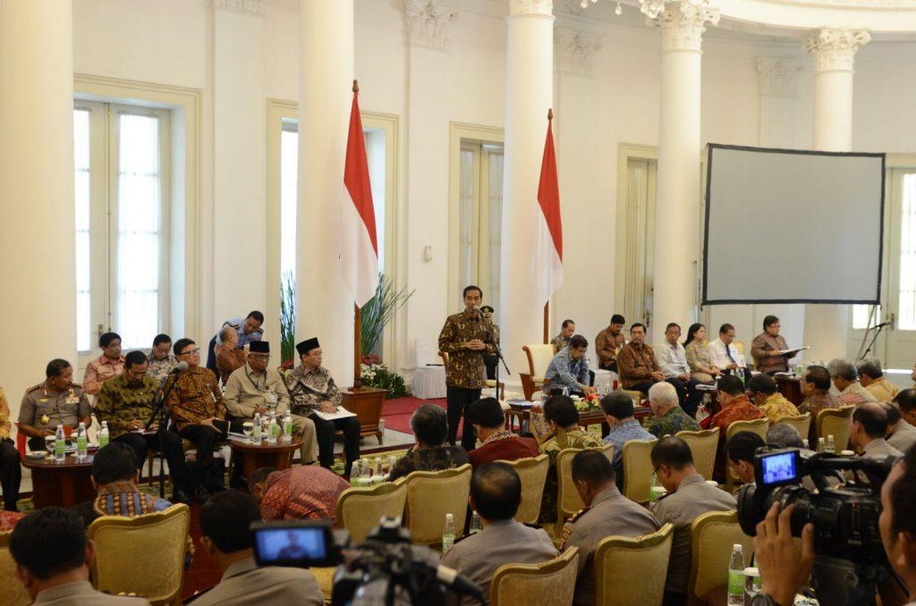 Rapat Jokowi menggumpulkan semua Gubernur untuk mendiskusi soal BBM Premium