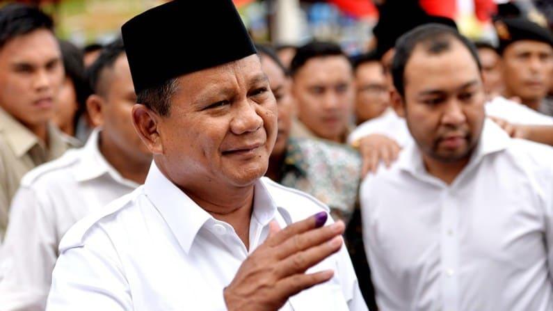 Peringati hari buruh, Prabowo beri 3 pantun